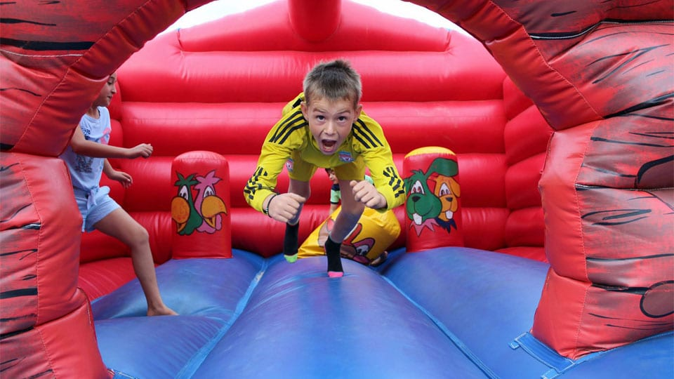 Bouncy-castle-madness-image-1