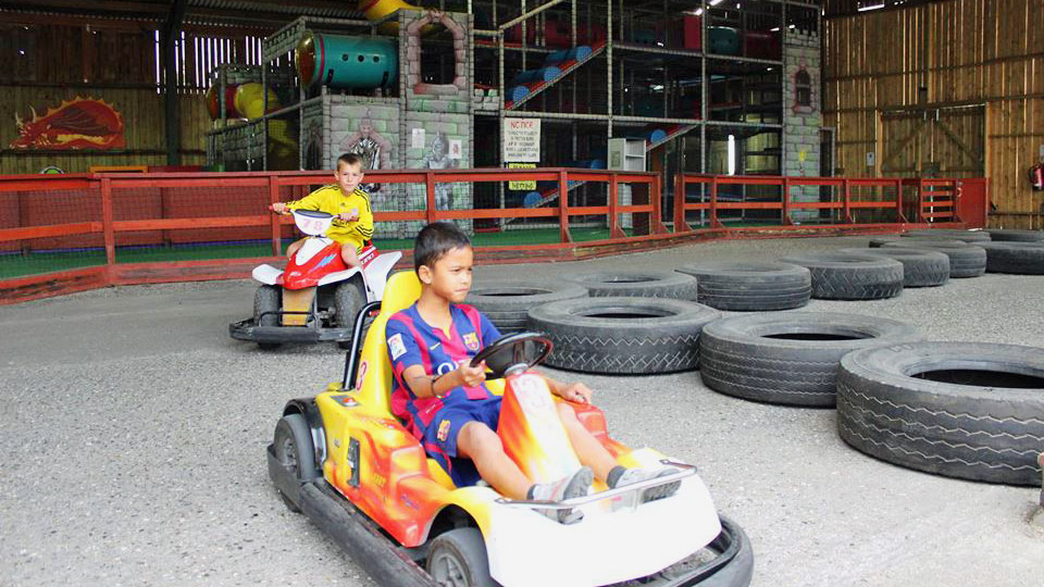 Indoor-go-carts-for-racers-image-1