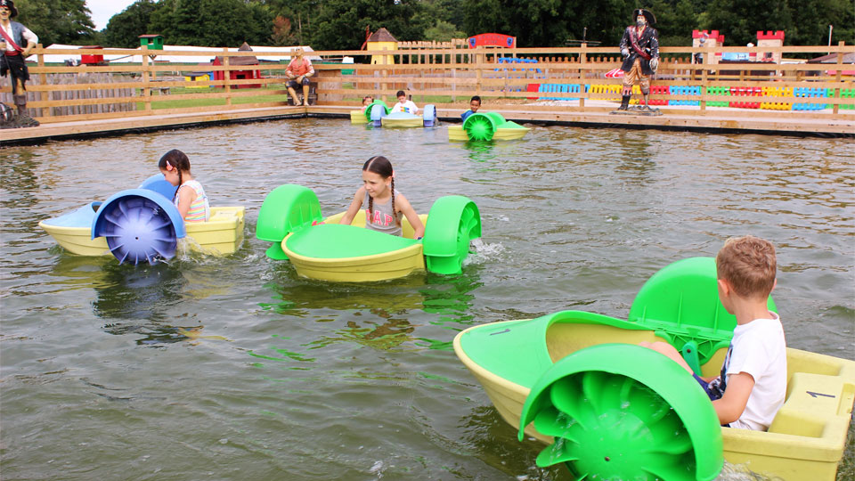 Outdoor-play-in-the-peddlarz-pond-image-1