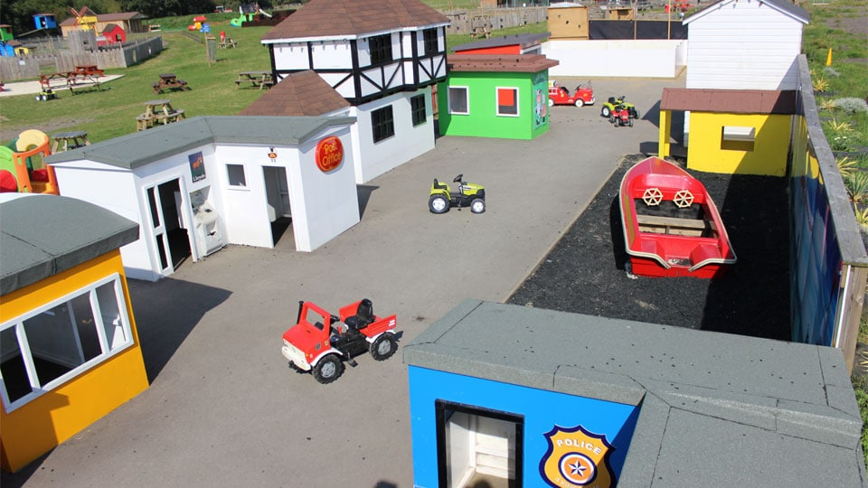 Outdoor-play-in-the-play-village-image-1